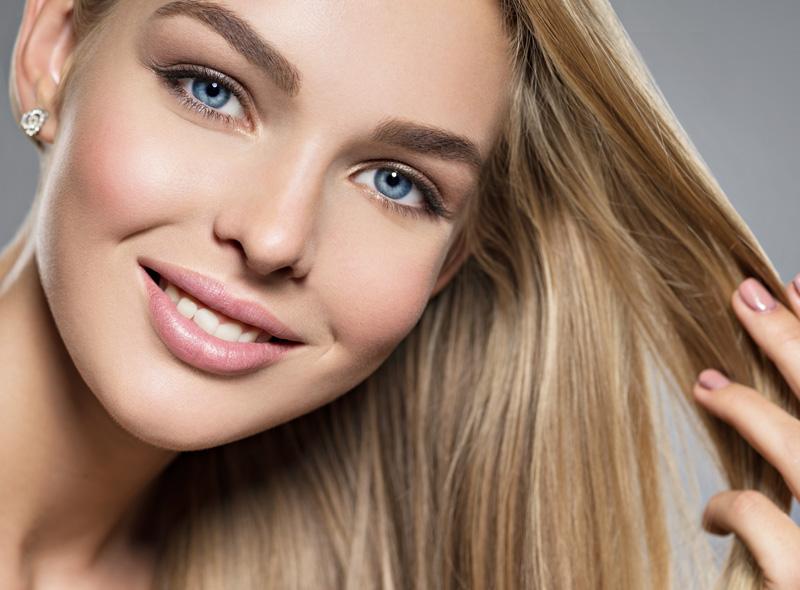 Bezpieczne sposoby na proste i gładkie włosy
