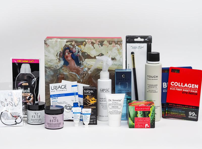 Esencja kobiecości zawartość pudełka z kosmetykami