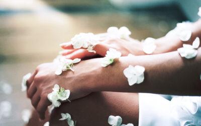 Jak dbać o skórę dotkniętą AZS?